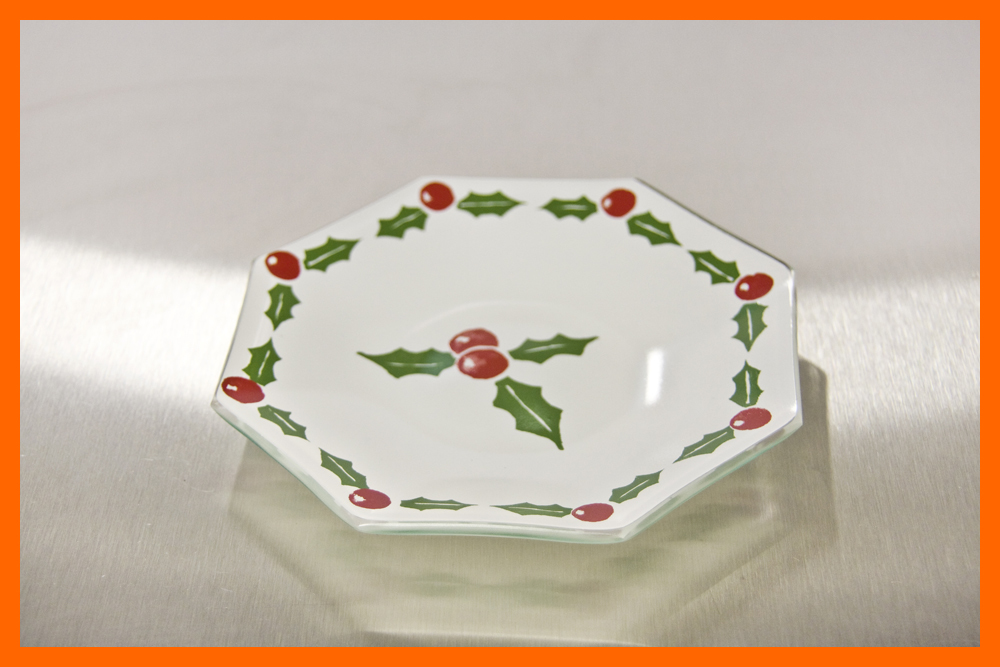 Holly and Berry Plates, 6